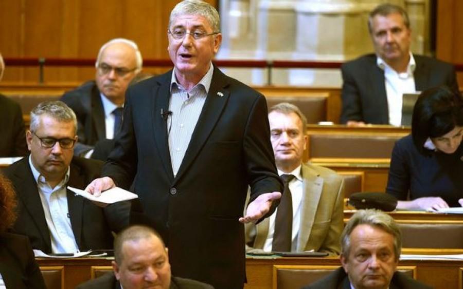 Balhé a Parlamentben - Gyurcsány tombol, folyik a gazemberezés oda-vissza